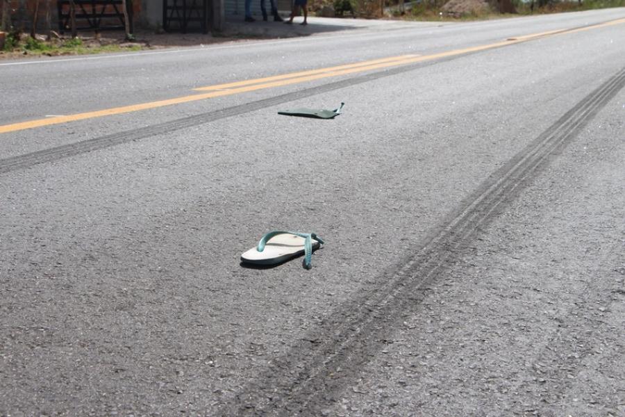 Motociclista morre após colisão com caminhão em Teofilândia
