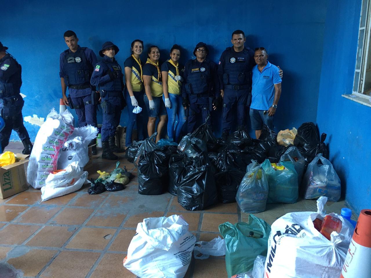 GCM de Araci faz doação de 60 cestas básicas aos mais carentes em Araci