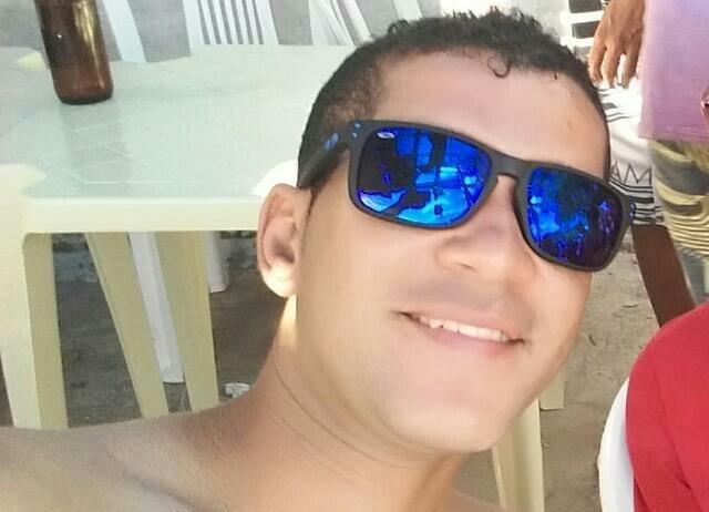Araci: Família pede orações para vítima de acidente de moto em estado grave