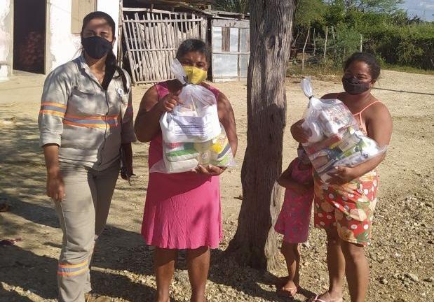 Mineração Fazenda Brasileiro realiza doação de 200 cestas básicas às famílias de Teofilândia e Barrocas