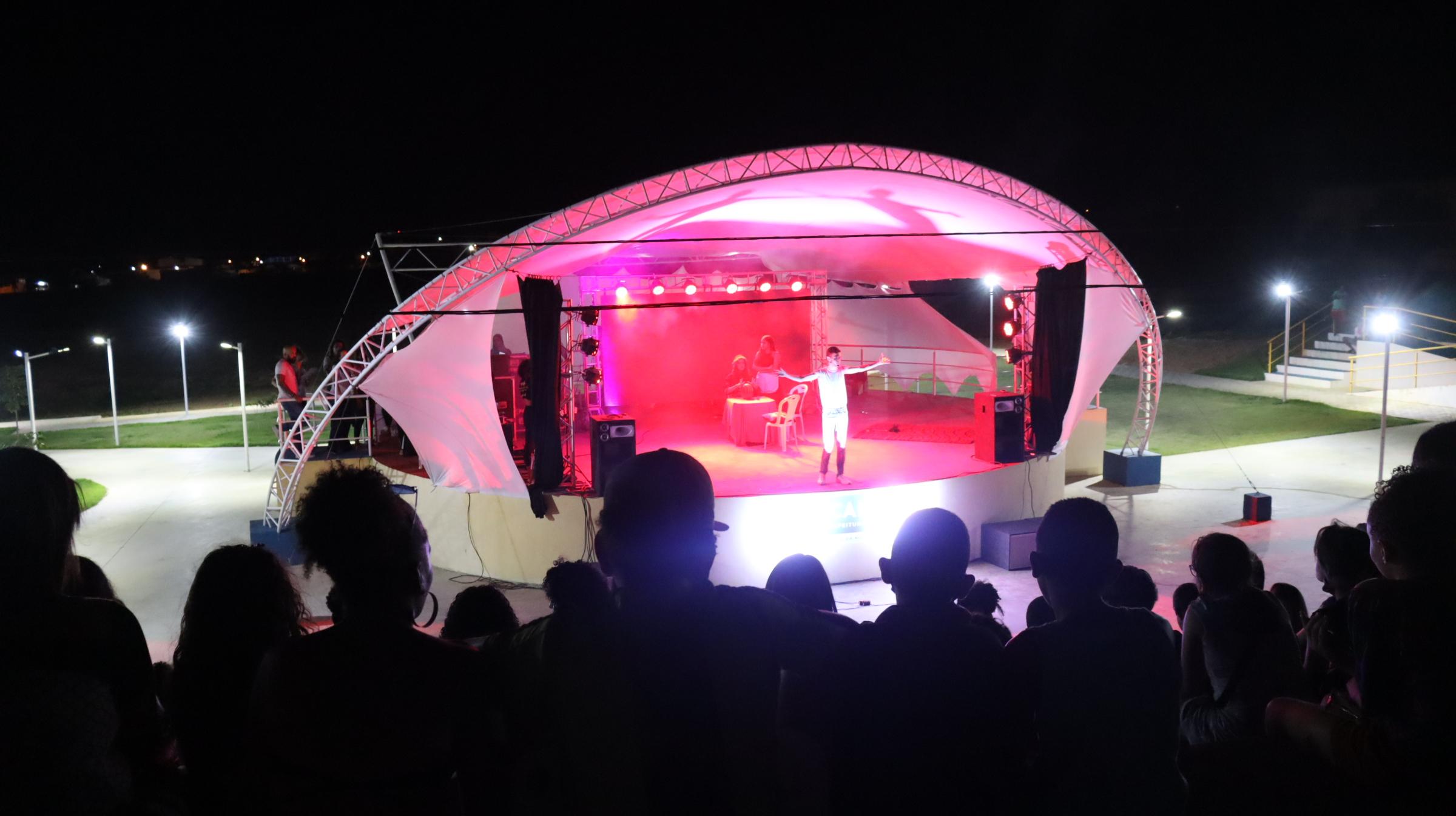 Jornada Cultural: Edição Teatro reúne público de Tucano em oficinas, minicursos e espetáculos gratuitos
