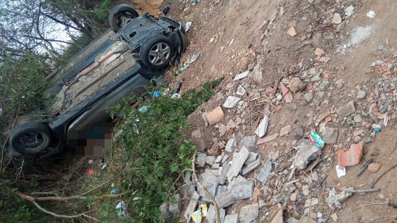 Acidente deixa uma pessoa morta e presa as ferragens na BR-116 entre Serrinha e Teofilândia