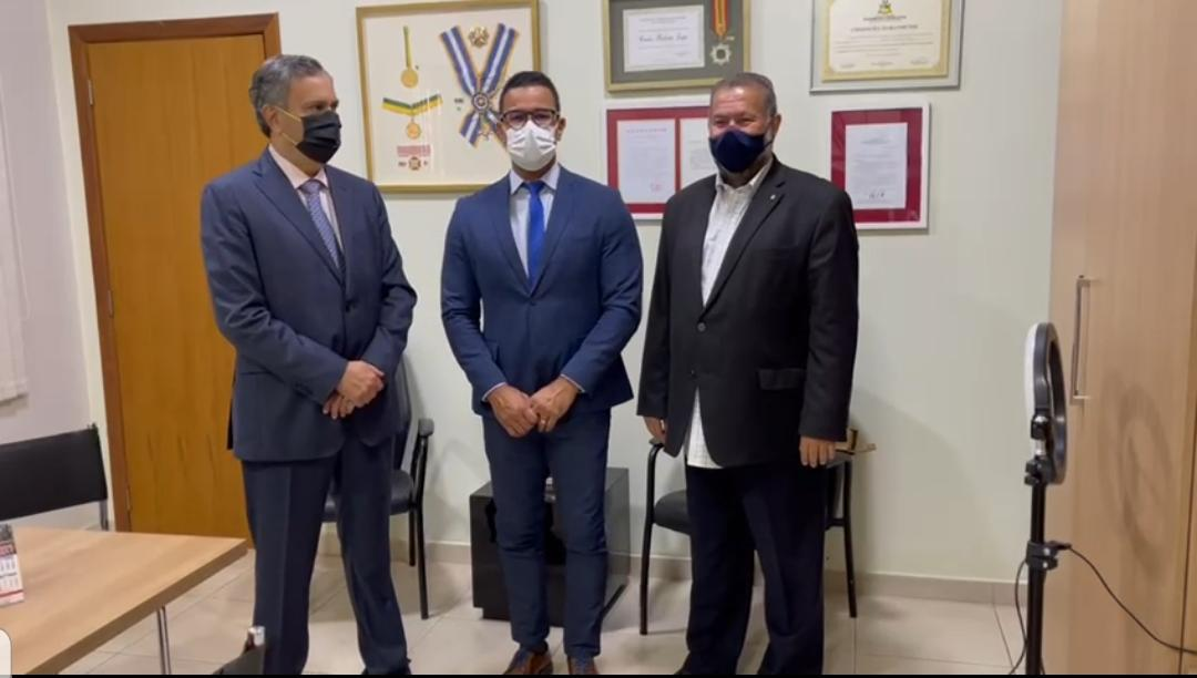 Em Brasília, Silva Neto se reúne com Lupi e Félix Jr e garante R$ 2 milhões para asfaltamento em Araci